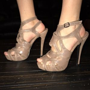 EUC Charlotte Russe size 7 tan heels